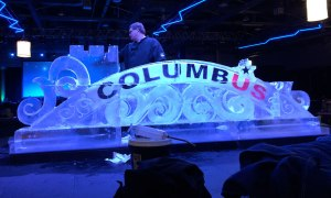 NHL-All-Star-Weekend-Ice-Sculpture-Arch-half-complete