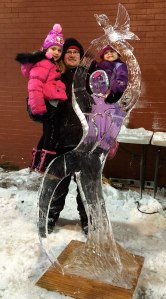 Peace-and-Love-Ice-Sculpture-with-Family