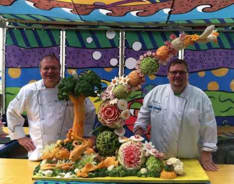 Fruit-Carving-SeaWorld-Texas-Greg-and-Dean