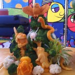 Fruit-Carving-SeaWorld-Texas-with-Owl-Frog-and-Snake