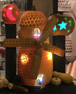 Pumpkin-Carving-of-Windmill