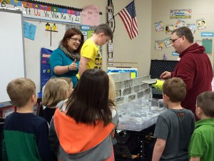 Ice-Castle-School-Demonstration-Building-the-Wall
