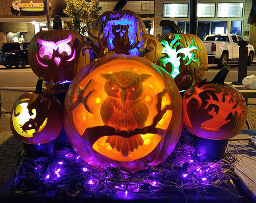 Pumpkin-Carving-Lighted-Owl-Display