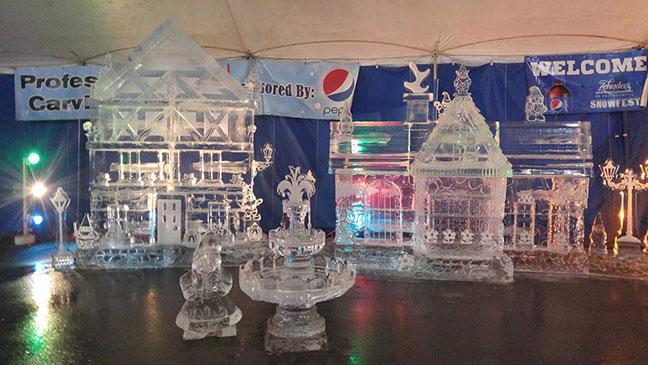 Ice-Sculpture-Gnome-Village-Lighted-Zehnder's