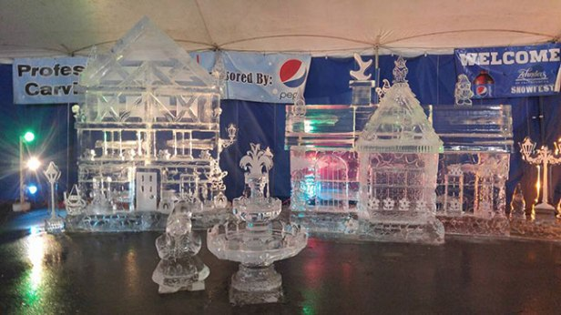 Ice-Sculpture-Gnome-Village-Lighted-Zehnder's