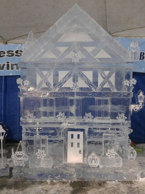 Ice-Sculpture-of-Gnome-Home-Zehnder's