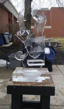 Ice-Sculpting-Class-Interactive-Student-Sculpture